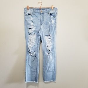 Almost famous light wash distressed jeans (e)